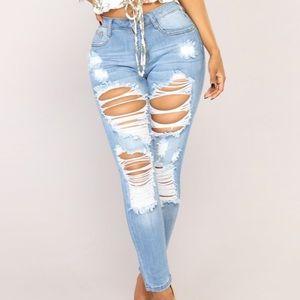 Size 0 Fashion Nova jeans